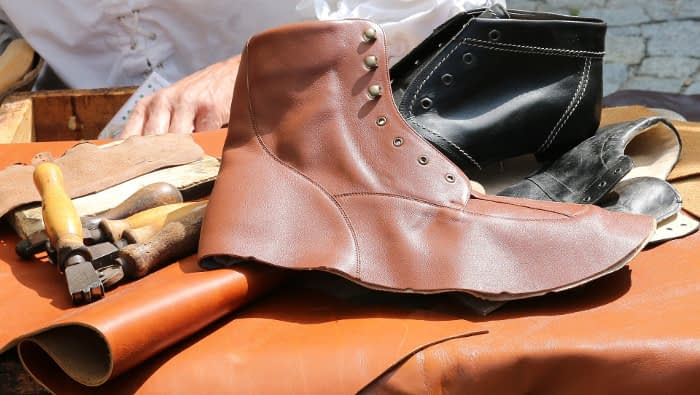 De kinderen van de schoenmaker lopen barrevoets